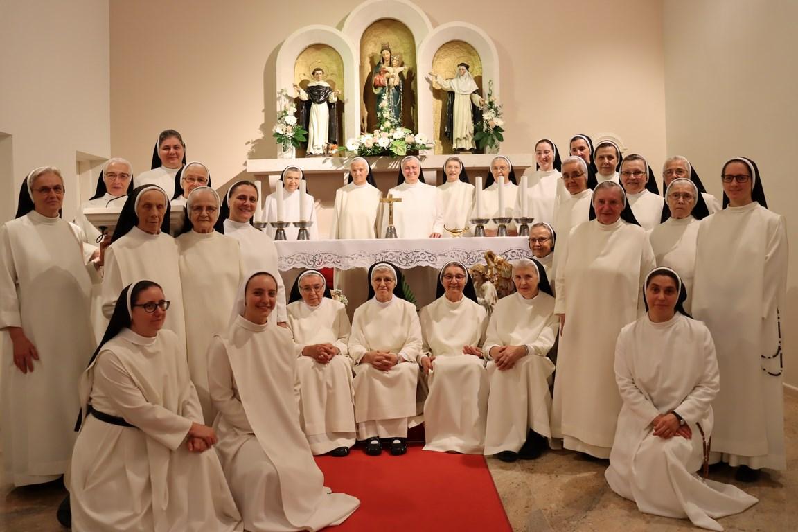 Višestruko slavlje sestara dominikanki Kongregacije svetih Anđela čuvara